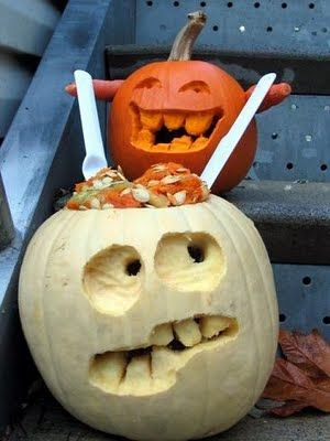 Zombie Jack O'Lanterns  Why do I love zombies they are so creepy!  This is cute though.