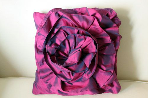 Bromeliad: Ruffled rose pillow giveaway winner - Fashion and home decor DIY and inspiration