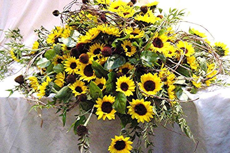 Birmingham Florist : Upscale floral delivery to the entire Metro Detroit area.
