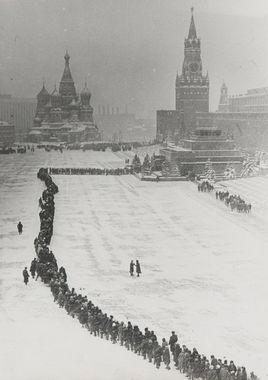 Dmitry Baltermants, Line to Mausoleum, 1960