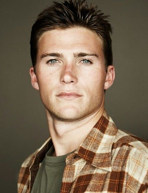 Scott Eastwood. Clint Eastwoods son ..... holy moly! Between dad and son, who do you pick? Woot! Woot!
