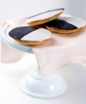 Gotta make these sometime, I had my first Black and White Cookie from the Verona bakery in NJ, and it was so good!