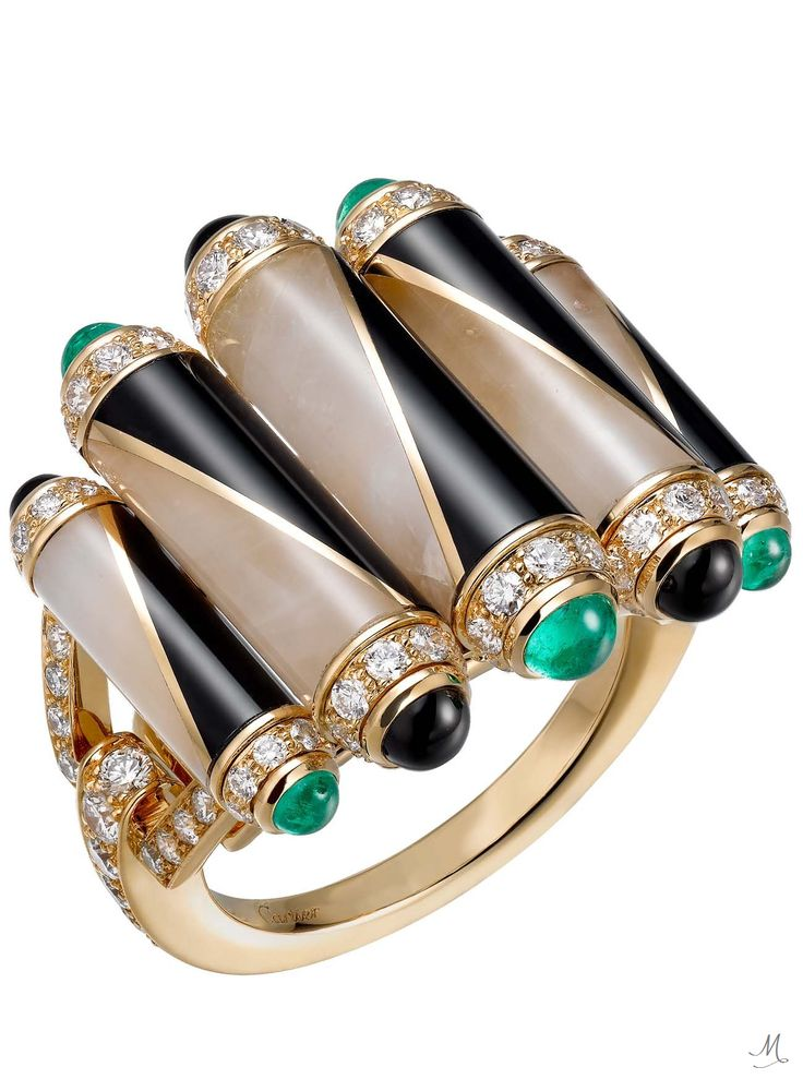 Étourdissant Cartier ring in 18k yellow gold, emeralds, rock crystal, onyx, and diamonds