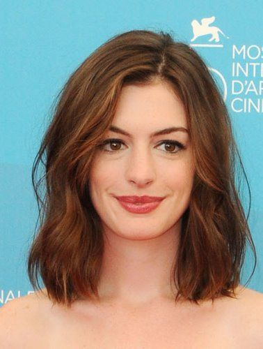 Anne Hathaway Medium Hairstyle