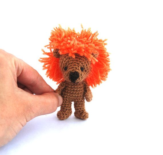 crochet miniature lion tiny lion little by tinyworldbycrochAndi