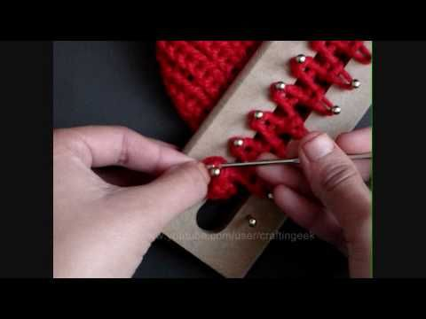 y así se remata la bufandita. El telar es muy simple de hacer :)
