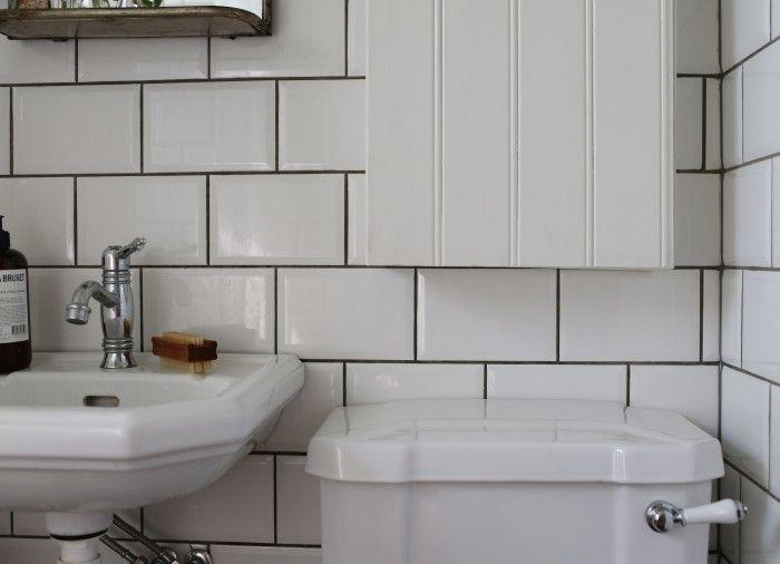 Vi älskar att följa badrumsrenoveringar och projekt. Här kan du inspireras av Underbara Claras badrum som vi älskar!