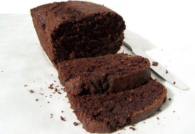 Kakaós-cukkinis-csokis sütemény kenyérformában