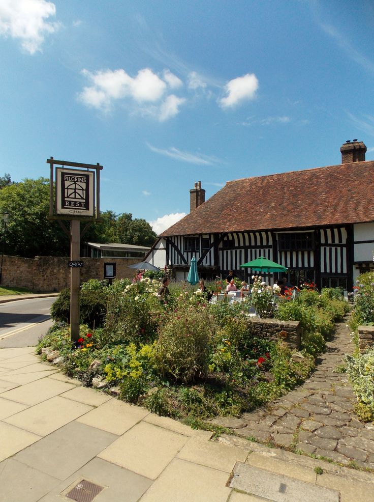 Built in 1420 The Pilgrim's rest pub right opposite Battle Abbey, East Sussex, England. There has been a hostelry on this site from the 11th century By B Lowe