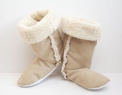 DIY Sherpa Slipper BootsSewing Projects, Baby Booty, Mom Daught Pairings, Around The House, Diy Fabrics Boots, Slippers Diy, Diy Sherpa, Sherpa Boots, Crafts