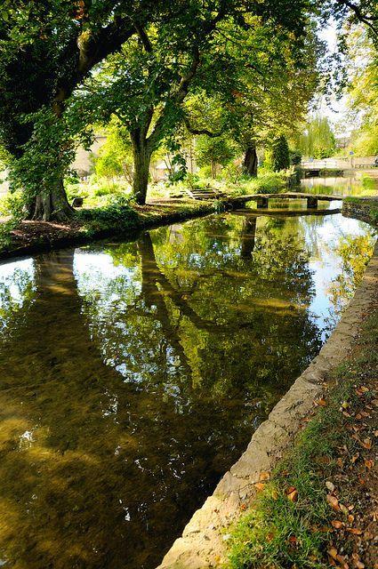 bonitavista:Cotswolds, England  photo via kathy