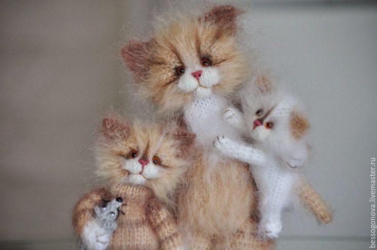 Купить МАМИНО СЧАСТЬЕ вязаные кошки - игрушка в подарок, игрушка из шерсти, вязаная игрушка