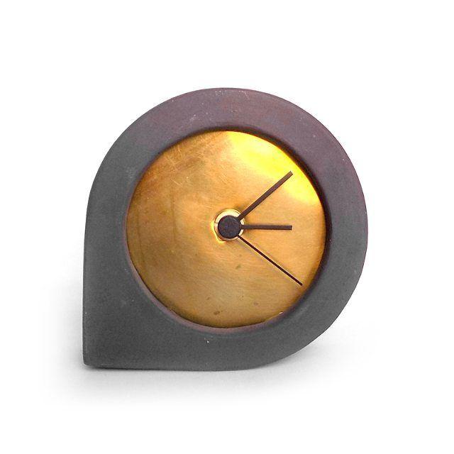 comma_brass  kippiee #clock #time #concrete #terracotta #cork #design#clay #ceramic #handmade #madeinitaly #homedecor #social #branding #homewares #home #instapic #picoftheday #pictureoftheday #bestoftheday #igers #instalike #instagood #igersitalia #igersreggioemilia #etsy #italiahandmade #cool #art