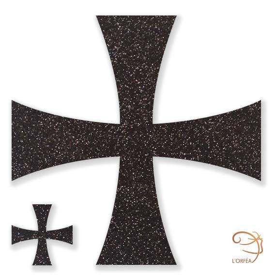 Croix Pattée I Bijoux de peau