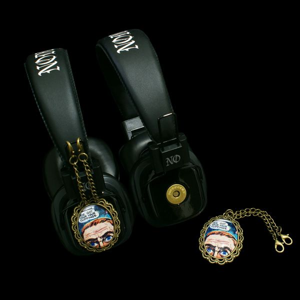 Headphones with attachable comics style pendants -  http://noddders.com/product/cool-comics-headphones/