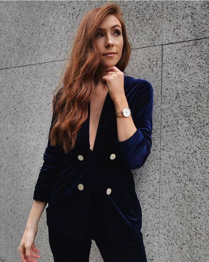 Midnight Blue Velvet Suit Jacket seen on @retroflame #velvetjacket #velvetsuit #womenssuit #DorothyPerkins