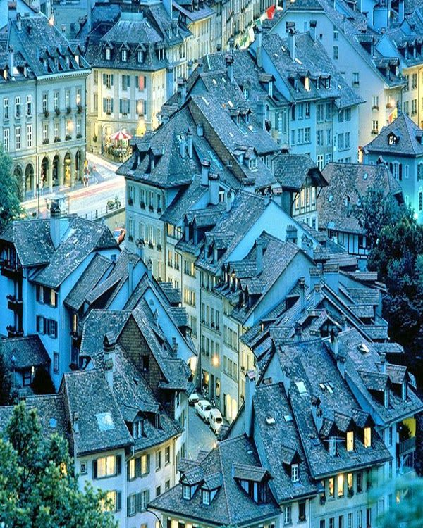 Bern , Switzerland - Travel Pedia. Oh, how I love this photo. :-)