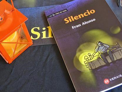 Un lector (VGomez) recomenda «Silencio», de Fran Alonso, no seu blog. http://vgomez.blogia.com/2014/081102-un-libro-para-este-veran-silencio-.php