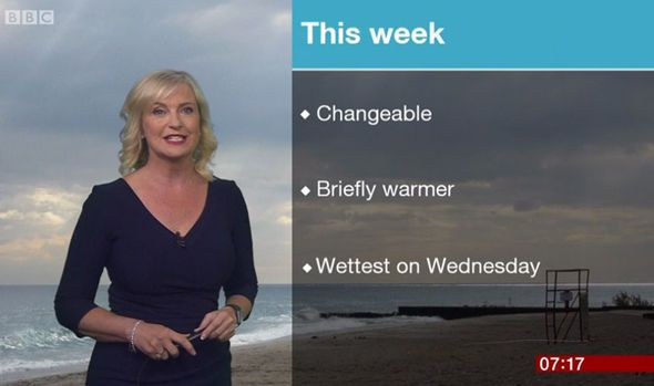 BBC Weather: Carol Kirkwood thrills as she teases cleavage in low-cut navy frock - http://buzznews.co.uk/bbc-weather-carol-kirkwood-thrills-as-she-teases-cleavage-in-low-cut-navy-frock -