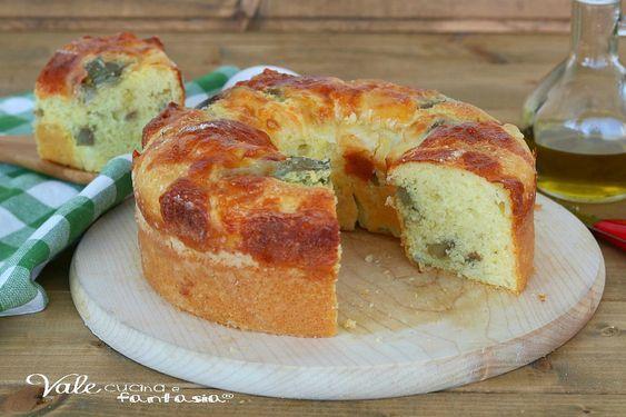 CIAMBELLA SALATA CON CARCIOFI e provola ricetta facile, ricetta con i carciofi, ciambellone salato morbido con ricotta nell'impasto.