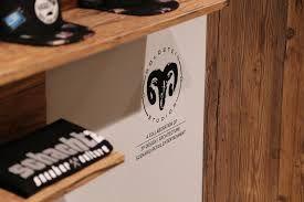 Schacht 2 (Hückelhoven) | Innenarchitektur | Retail Design | Goldsteinstudios | Instore Installation | Visual Merchandising | Visual Marketing | Window Design | Sneakeraddicted | Sneakerhead | Sneakerfreaker |