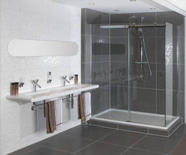 17 beste idee n over witte tegels in de badkamers op pinterest douche tegel ontwerpen - Tegel witte glanzende badkamer ...