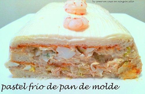Una de las clásicas recetas de verano es el pastel frío de pan de molde, existen infinidad de variantes en función del relleno y salsa elegida (con este ...