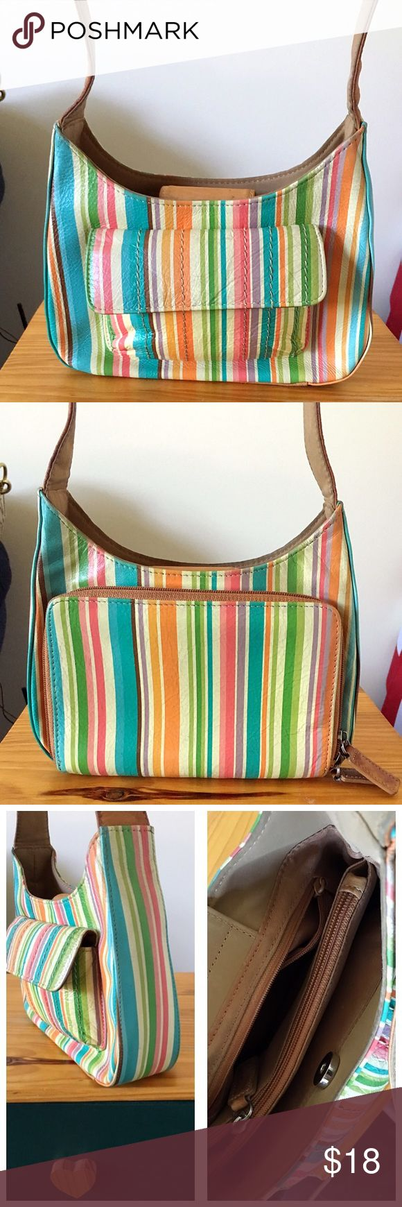 Fossil Multi Color Shoulder Bag Little cute Fossil purse, beautiful colors. I may have used it several times. 😅 Over all in good condition Fossil Bags Shoulder Bags