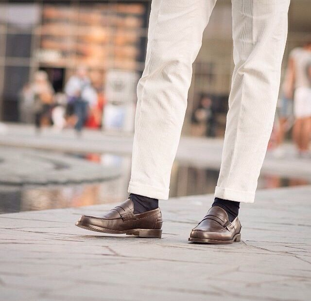 """""""The journey of a thousand miles begins with one step."""" Lao Tzu --------------------------------------------- """"Rilasàa"""", our #laofers in brown leather available online at www.velasca.com. Link in profile to #shop. #velascamilano #madeinitaly #shoes #shoesoftheday #shoesph #shoestagram #shoe #fashionable #mensfashion #menswear #gentlemen #mensshoes #shoegame #style #fashion #dapper #craftsmanship #artisan"""