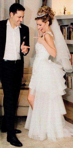 Άριελ Κωνσταντιδης & Τάκης Μαργαρίτης. Παντρεύτηκαν τέλη του 2015 με πολιτικό γάμο. Περισσότερα: http://olagiatogamo.gr/rss/157-o-gamos-tis-ariel-konstantinidi.html
