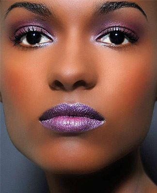 Perfect to black skin at night! Beautiful!