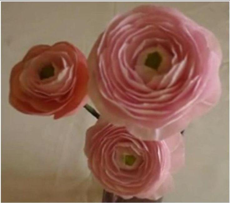 Paper Flower - Ranunculus / Persian Buttercup (excellent video tutorial)