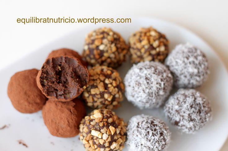 trufas veganas de chocolate y aguacate