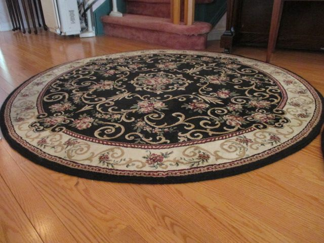 AREA ROUND RUG Estate sale from classy Upper Hunt Club home – 114 Topley Crescent, Ottawa ON. Sale will take place Sunday, May 10th 2015, from 8am to 2pm. Visit www.sellmystuffcanada.com to view photos of all available items!