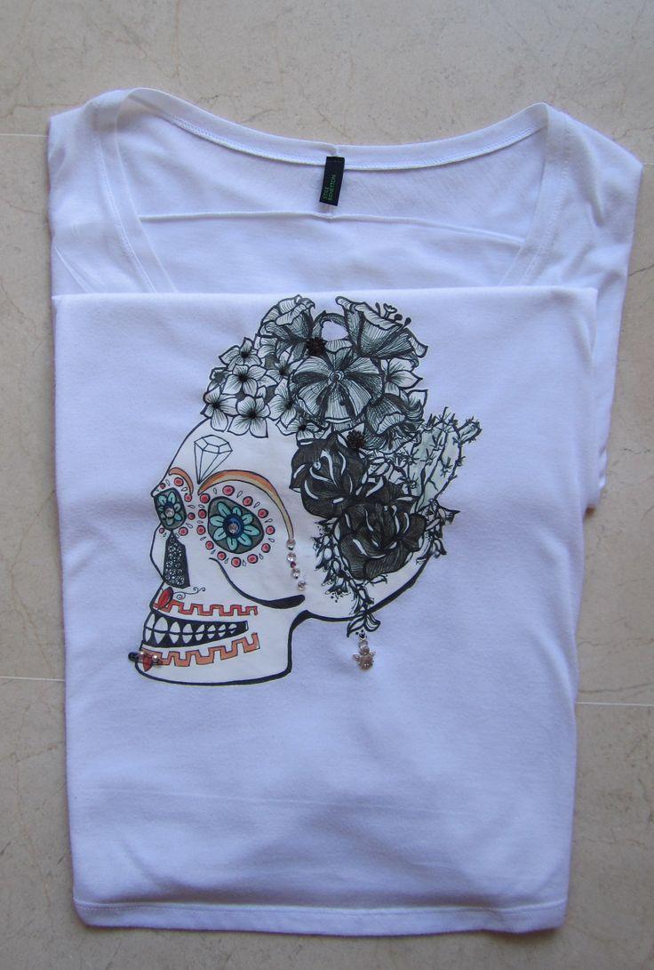 camiseta calavera floral