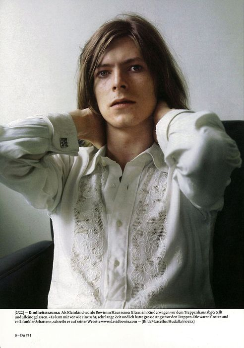bowieMusic, Beautiful Bowie, Famous People, Davidbowie Photos, Young David, Bowie Boards, Icons, Young Bowie, David Bowie