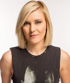 Cool : Renee Young