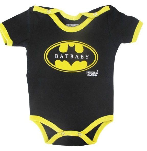 Body de bebê divertido (no tema Batman) da loja virtual Baboobee! Acesse: http://mamaepratica.com.br/2016/04/11/roupas-de-bebe-e-criancas-outonoinverno/    #bebês #crianças #filhos #looks #roupas #enxoval #bodies #maternidade #recém-nascido #prematuro #roupinhas #body #bodies #Batman #super-heróis #divertidos #meninos