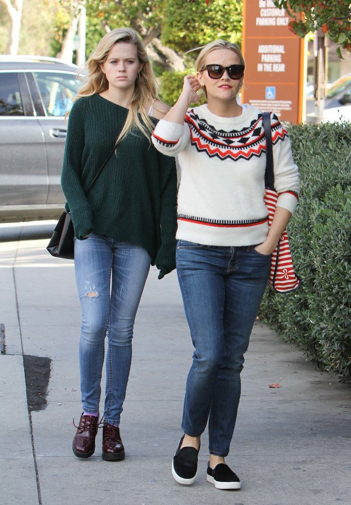 Reese Witherspoon Photos: Reese Witherspoon and Daughter Ava Elizabeth Phillippe Go Out
