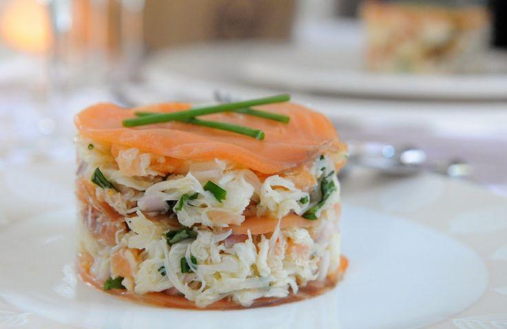 13 desserts, chacun: Mille-feuilles saumon fumé et crabe