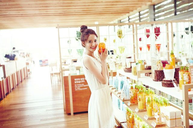 YoonA shows stunning beauty in Innisfree's new CFs and photos