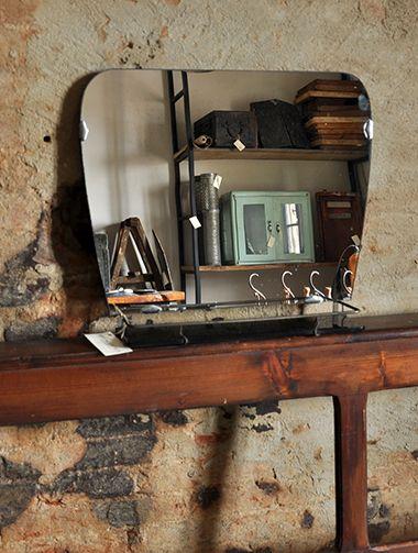 Interior design recupero specchio vintage con mensola per for Accessori bagno vintage