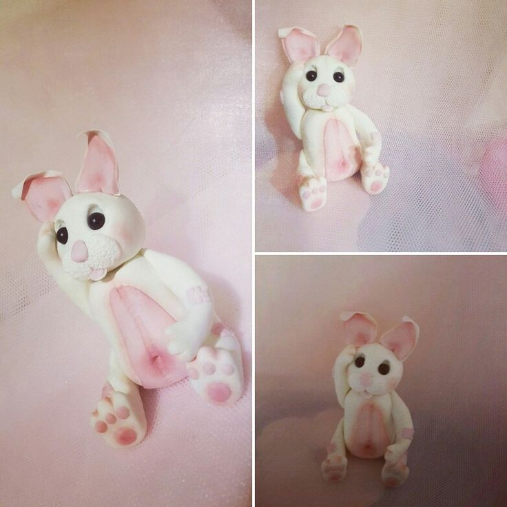 Fondant rabbit topper