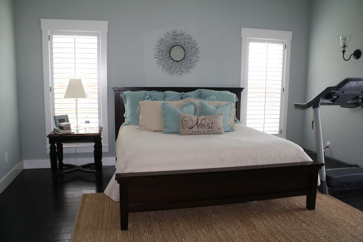 Comfort gray sherwin williams blissful show us your for Show bedroom designs