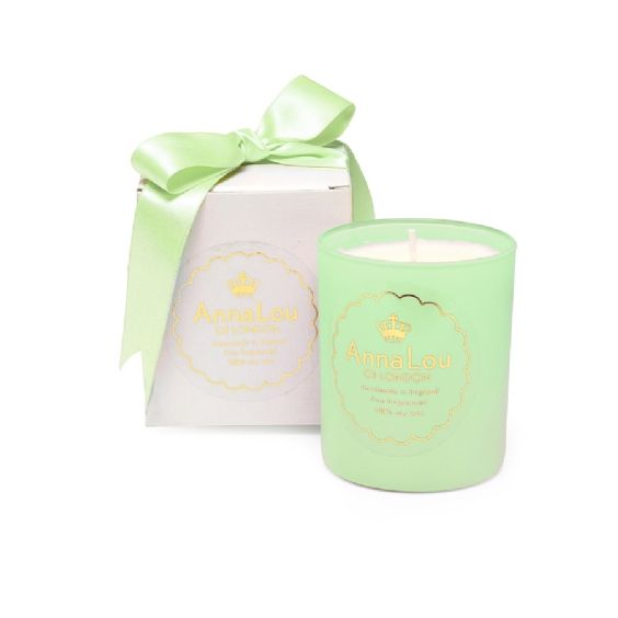 This purifying and revitalising blend of organic eucalyptus, peppermint and rosemary essential oils will really wake up a room and put you in a perfectly uplifted mood. The peppermint is known for its rejuvenating properties and the eucalyptus will enhance clear breathing. This combination of oils works wonders and smells amazing!Anna Lou of London candles are 100% natural and handmade in London in small batches using a soy wax from a sustainable source and only the finest essential oils…