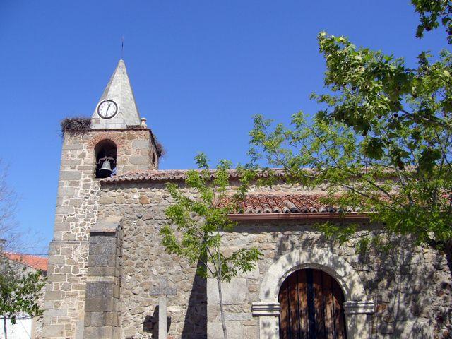 La Iglesia de San Lorenzo, del siglo XVI principal monumento de Conquista de la Sierra.