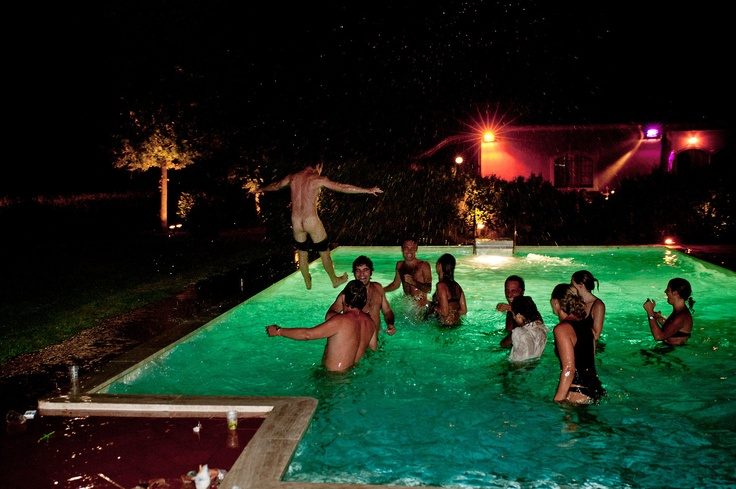 Pool birthday party close to Orbetello (Tuscany, Italy) - #eventsareforever #sowirephotography Photo by Lucio Patone - Valeria Marchesani - sowirestudio.com