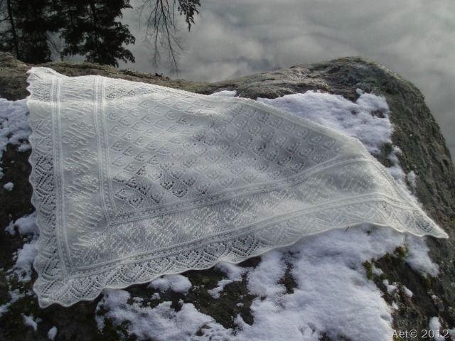 Scarf with Heart Pattern vol.2, Haapsalu shawl