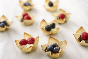 SNACK DELIGHTS Berry Won Ton Cups. Can't make ahead of time & have too eat very soon after or the won ton goes soggy.