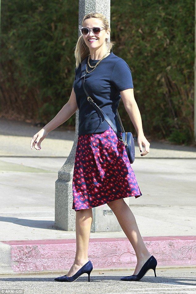 Pretty look:The 39-year-old actress looked demure and laidback as she sported a pretty pr...
